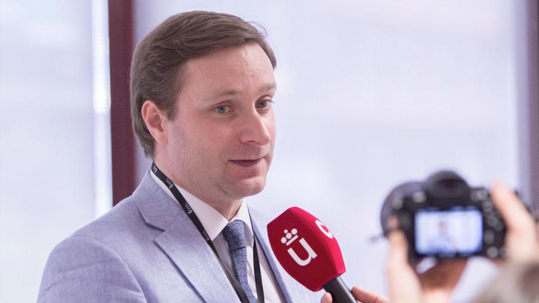 Social-Media, Datenschutz und Verantwortung Interview mit Prof. Dr. Dr. Alexander Moutchnik